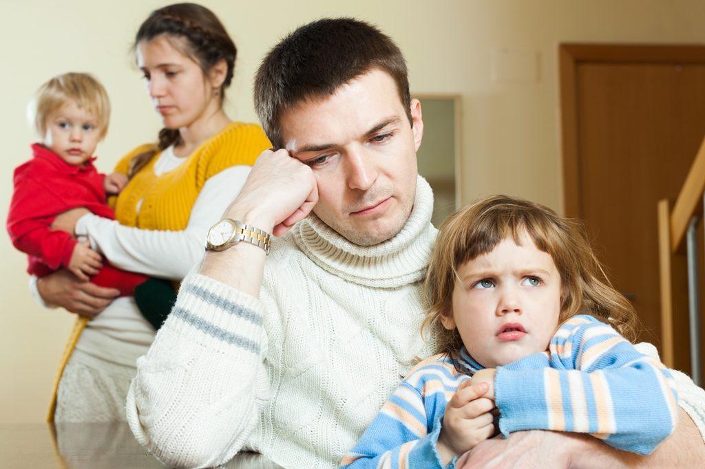Как определить порядок проживания и воспитания ребенка после развода