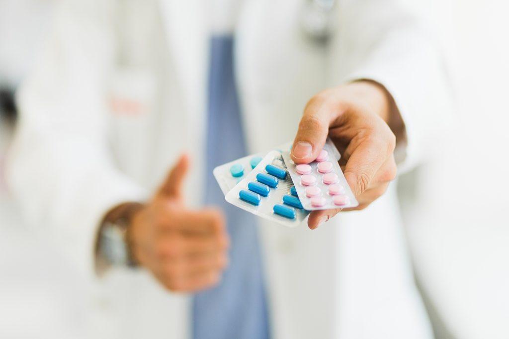 Врачебные ошибки или причины осложнений лекарственной терапии